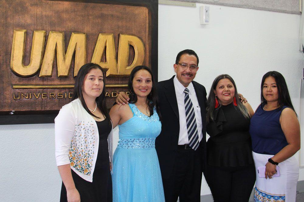 Estudiantes de Colombia aprenden en UMAD sobre Emprendimiento