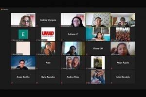 Gurú del Turismo dio conferencia a estudiantes de la UMAD